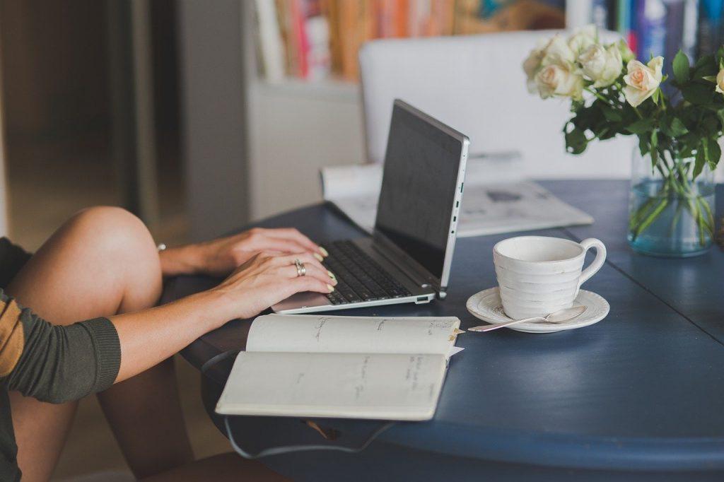 laptop, workstaion, office-4906312.jpg